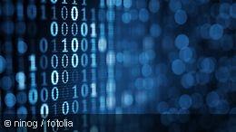 Blaue Binärzahlen auf einem PC-Bildschirm